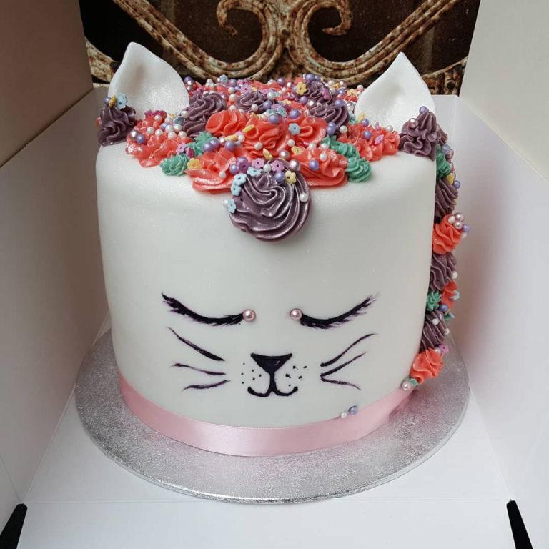 cat_custom cake